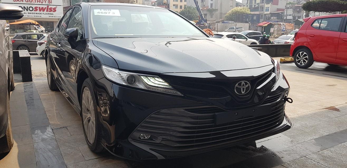 Hình ảnh xe Toyota Camry 2019 về đại lý