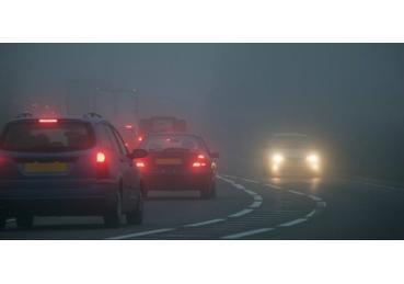 Bỏ túi 7 kinh nghiệm lái xe trong sương mù dịp đầu năm