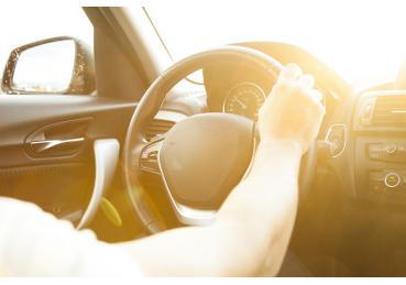 Cách phòng tránh sốc nhiệt cho xe hơi ngày nắng nóng