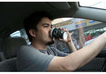 Kinh nghiệm chống buồn ngủ khi lái xe đường dài