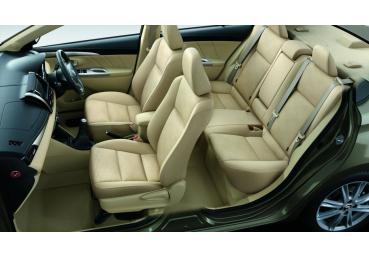 Kinh nghiệm vệ sinh và bảo dưỡng cho ghế da ô tô đúng cách