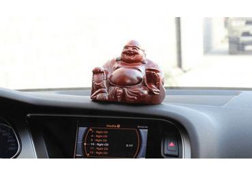 Những vật dụng gây nguy hiểm cho người trên xe ô tô