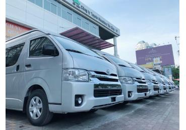 Toyota bàn giao gần 200 xe Hiace cho công ty Phương Trang - FUTA