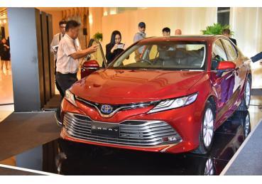 Toyota Camry hoàn toàn mới cập bến Đông Nam Á giá từ 43.600 USD